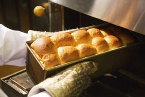 できる限り朝焼き立ての豆乳パンをご提供。