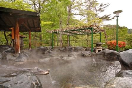 露天風呂密多の湯。通常はチェックインから19:30の入れ替え迄男性専用になります。
